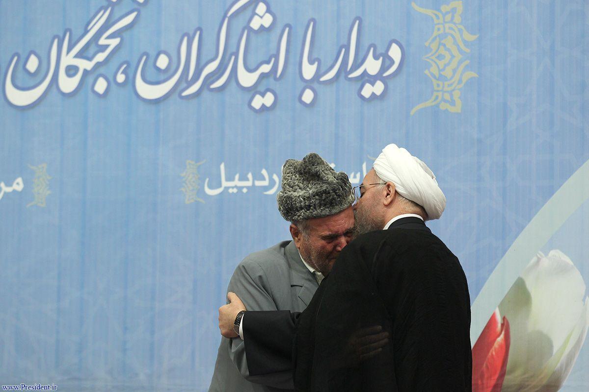دکتر روحانی رحلت استاد سلیم مؤذن زاده اردبیلی را تسلیت گفت