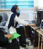 """افتتاح  ویزیت بیماران با کمک """"تله مدیسین"""" درگچساران به مناسبت هفته بسیج /وقتی بیماران مناطق محروم """"از راه دور"""" معاینه میشوند+تصاویر"""