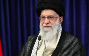 ویدئو/ گفتگوی منتشر نشده رهبر انقلاب با هاشمیرفسنجانی درباره بینتیجه بودن مذاکره با آمریکا