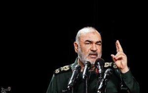 سرلشکر سلامی: ارتش و سپاه در مقابل پیشرفتهترین قدرتهای عالم دفاع میکنند